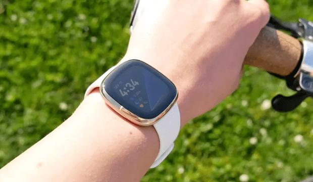 huawei watch vs fitbit sense
