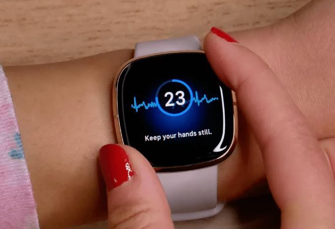 fitbit sense vs apple watch 7