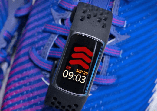 watch 4 vs fitbit charge 5